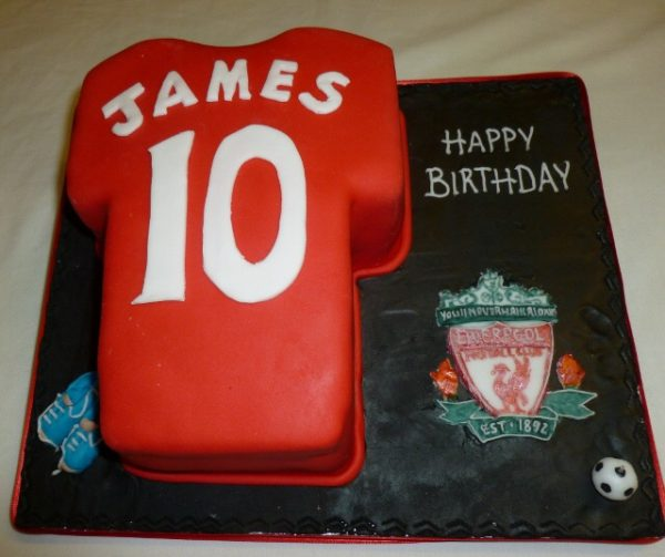 Football or Rugby shirt cake